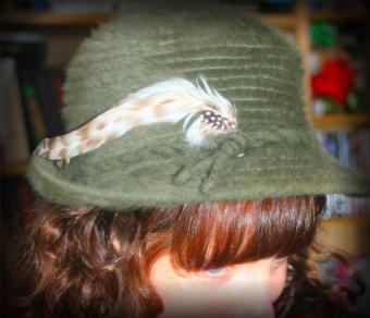 Lomo Peekaboo hat