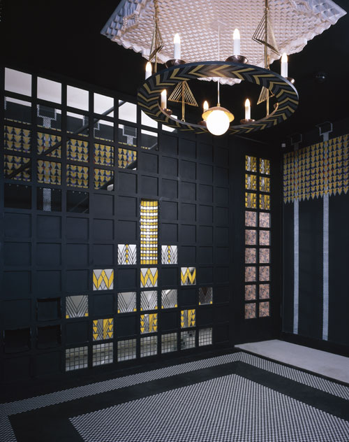 78-Derngate---room
